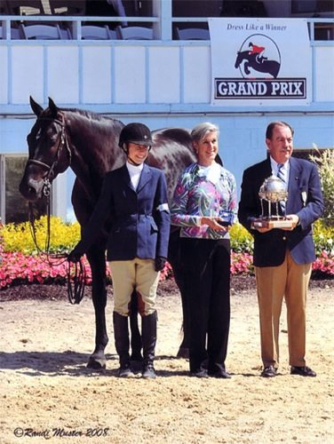 Laura Ware and Parker Winner Handy Large Junior Hunters 16-17 2008 Devon Horse Show Photo Randi Muster