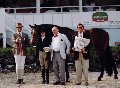 Lucy Davis and Harmony owned by Old Oak Farm Grand Champion Junior Hunters 2007 Devon Horse Show Photo JL Parker