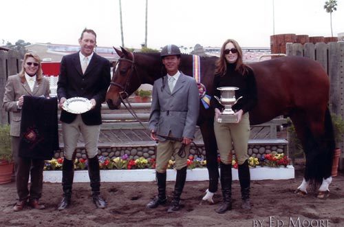 Roscoe owned by Archie Cox Green Conformation Hunter Champion 2006 Del Mar National Photo Ed Moore
