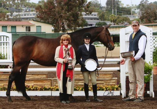 Lucy Davis Lifetime Trophy Retired Winner 2007 2008 2009 High Point Junior Rider Del Mar National 2009 Photo Osteen