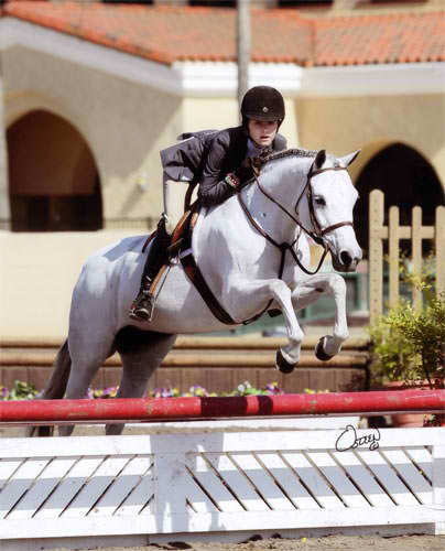 Macy Grey owned by Wild Sky Farm 2010 USEF National Champion Medium Pony Hunter Rider Skylar Nelson Photo Rick Osteen