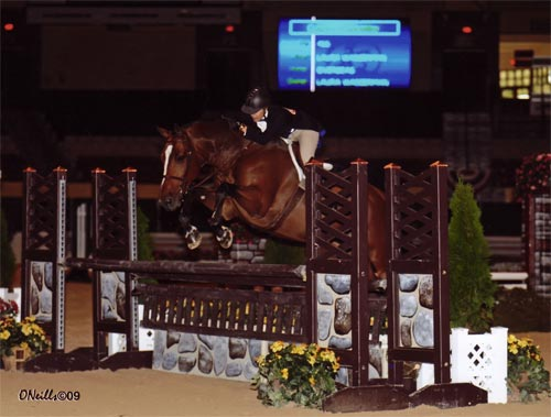 Laura Wasserman and Overseas Amateur Owner Hunters 36 and Over 2009 Capital Challenge Photo ONeills