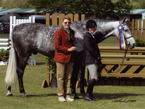Teddi Mellencamp and Glenview owned by Stephanie Danhakl Champion Green Conformation Working Hunters 2009 Blenheim Spring Classic III Photo Flying Horse