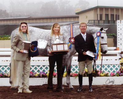 John French and Cruise owned by Jessica Singer Champion Regular Conformation Hunter 2011 Del Mar National Photo Osteen