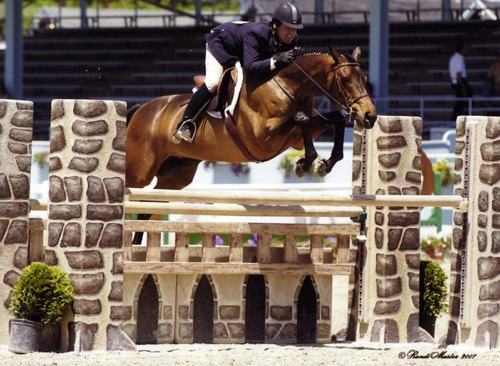 Peter Lombardo and Chance owned by Annette Peterfy Regular Conformation Hunters 2007 Devon Horse Show Photo Randi Muster
