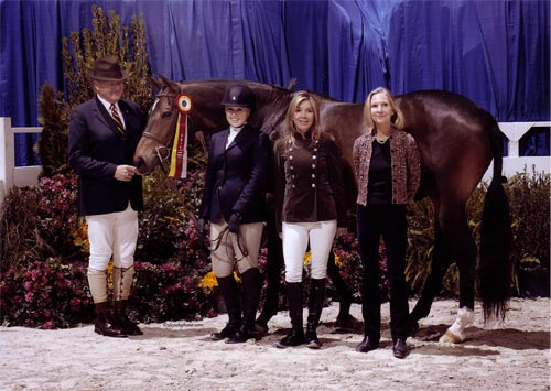 Ashley Pryde and Truly Reserve Champion Large Junior Hunters 16-17 2010 Washington International Photo Al Cook