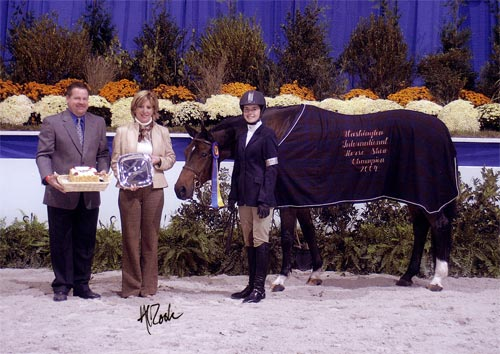 Stephanie Danhakl and Callaway Champion Small Junior Hunters 16-17 2004 Washington International Photo Al Cook