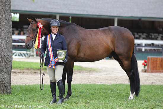 """Virginia Fout and Carma 2018 Upperville Horse Show Amateur Owner 3'3"""" Hunter 36 & Over Photo by Taylor Rains/Phelps Sports"""