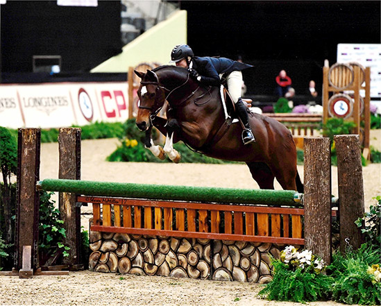 Virginia Fout and Cristiano 2017 National Horse Show Amateur Owner Hunter 36 & Over, Reserve Champion Photo by Shawn McMillen