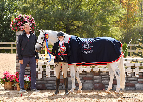 Emily Williams and Beach Boy 2019 Capital Challenge Champion Small Junior Hunter 16-17 Grand Champion Junior Hunter 16-17 Photo by Shawn McMillen
