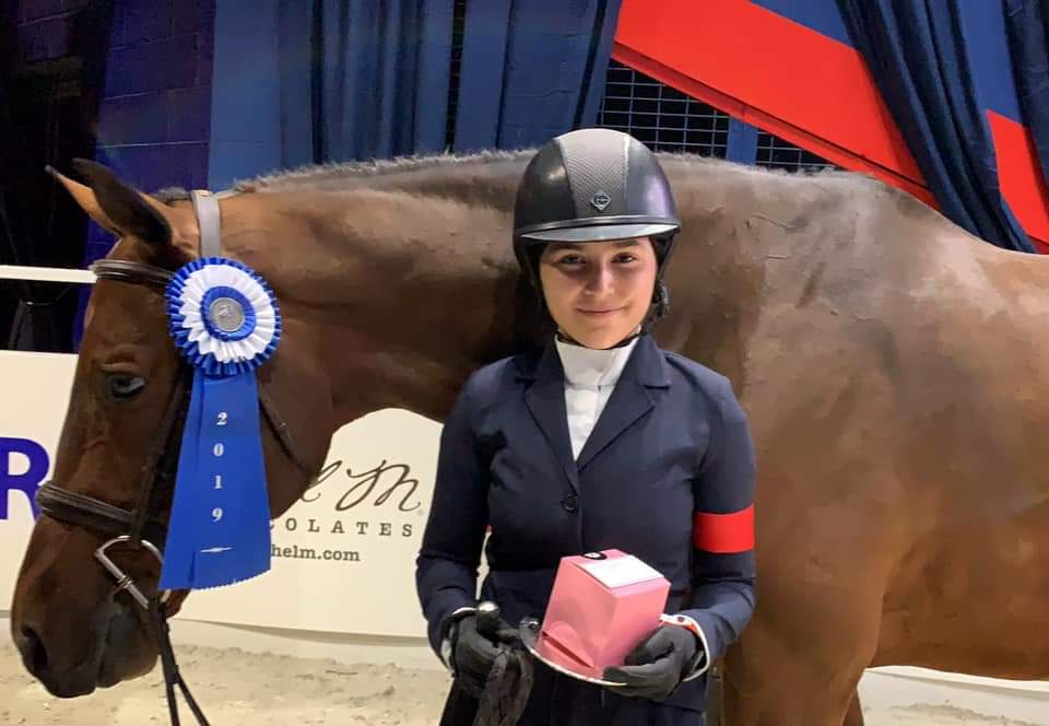 Violet Lindemann Barnett and Luscious Small Junior Hunter 16-17, Reserve Champion 2019 Washington International Horse Show