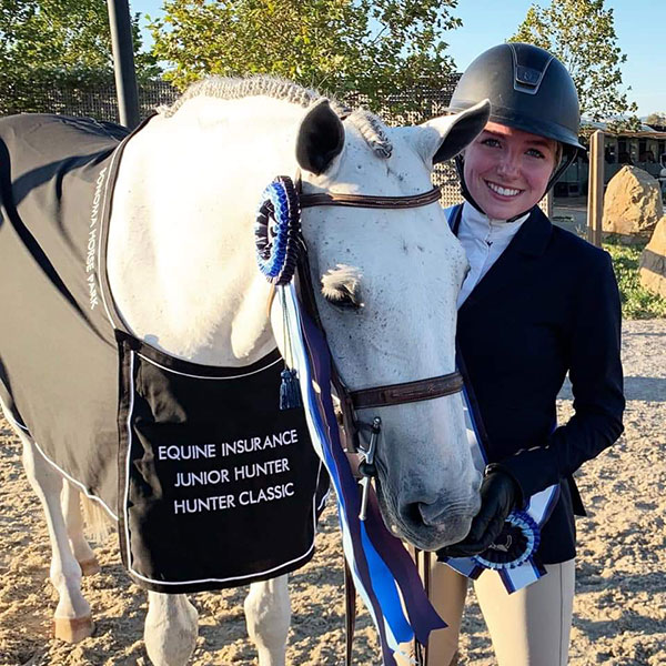 Emily Williams and Beach Boy Junior Hunter Classic Winner 2019 HMI Equestrian Classic 1