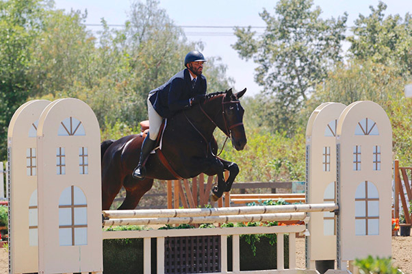 Jorge Hidalgo Duran and Charlie Boy 2018 Blenheim Oaks Spring Classic A/O Hunter 36 & Over