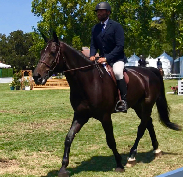 Jorge Hidalgo Duran and Charlie Boy 2018 Menlo Charity Horse Show Amateur Owner Hunter 36 & Over