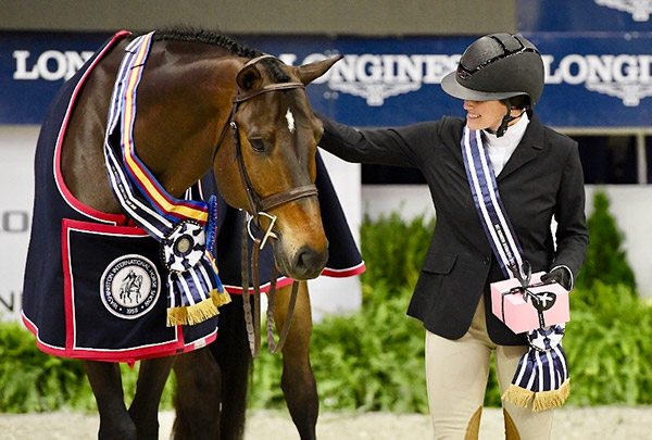 Lindsay Maxwell and Technicolor Grand Champion Amateur Owner Hunter 2017 Washington International