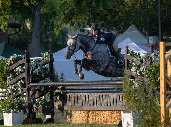 Stella Wasserman and Grace Russo's Banksy 2018 Menlo Charity Horse Show Large Junior Hunter 15 & Under