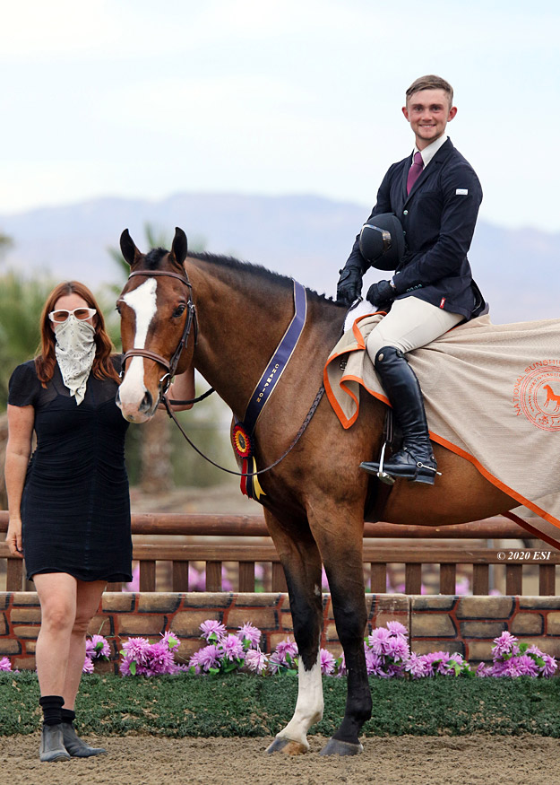 Ann Russo's Ideal and Jake Evans 2020 National Sunshine Series Champion USHJA 3' Hunter Photo by ESI