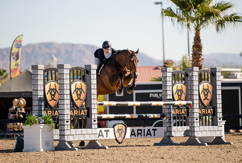 "Violet Tatum and Caravaggio 12 Dover 3'6"" Medal 2020 Desert Holiday Photo by Sara Shier"